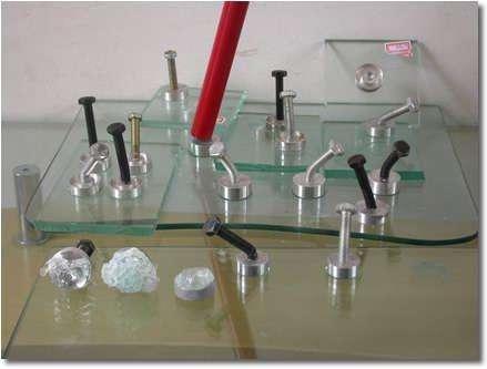 玻璃用UV胶粘接胶时出现的气泡怎么消除?